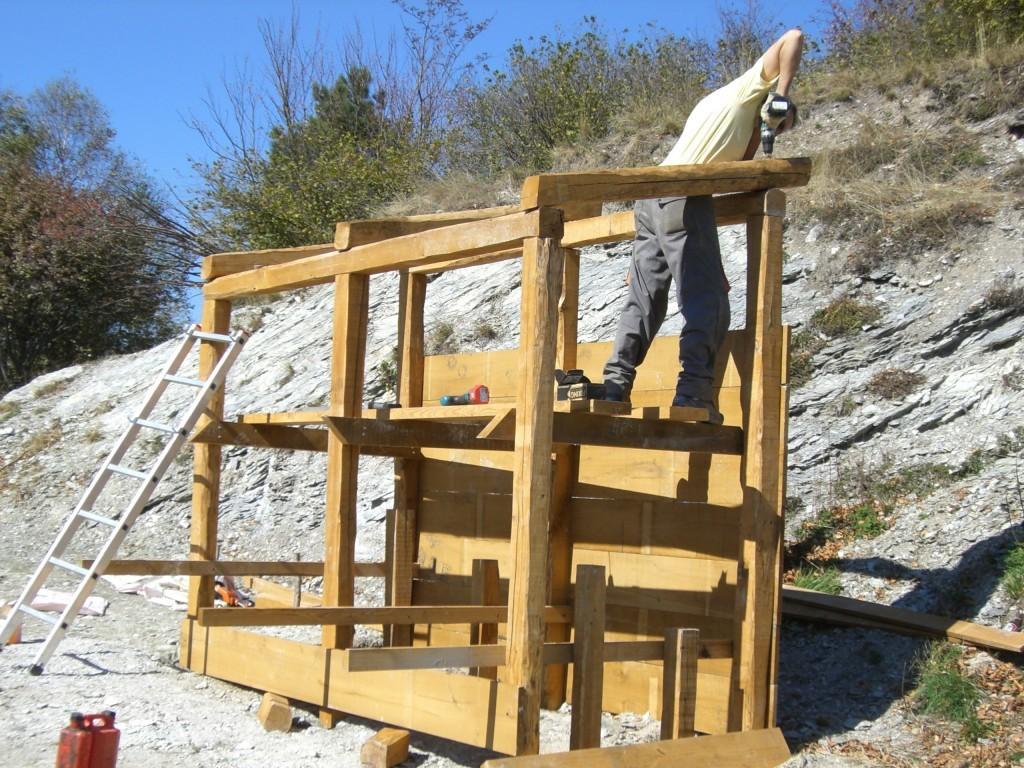 Realizzazione e manutenzione sentieri e aree for Costruzioni in legno